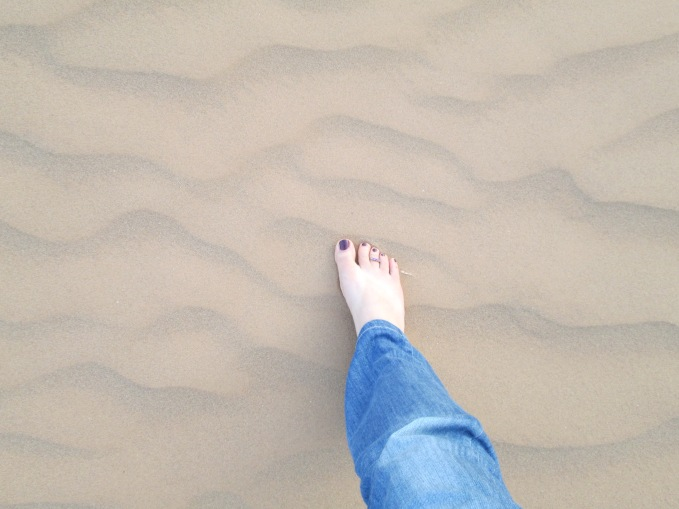 Later in the afternoon Celine placed her foot in the sands of the Sahara.