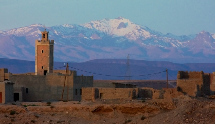 A small town in an oasis on a desert plain at the foot of the Atlas Mountains.